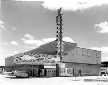 Wynnewood%20Theater%20in%20early%2050's.jpg